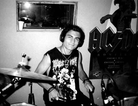 Franky on drums during Thrasheurs 13 session